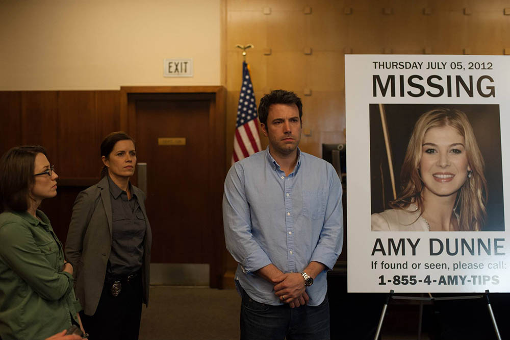 Carrie Coon, Kim Dickens, Ben Affleck, Rosamund Pike - Gone Girl (2014)