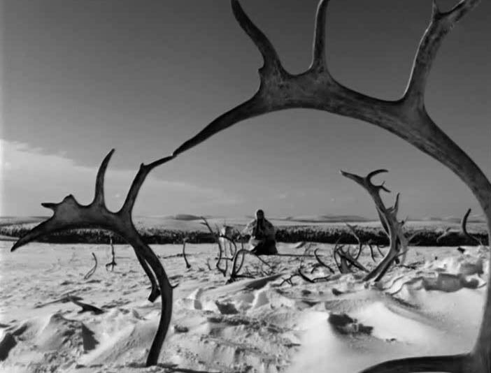 Valkoinen peura / The White Reindeer (1952)