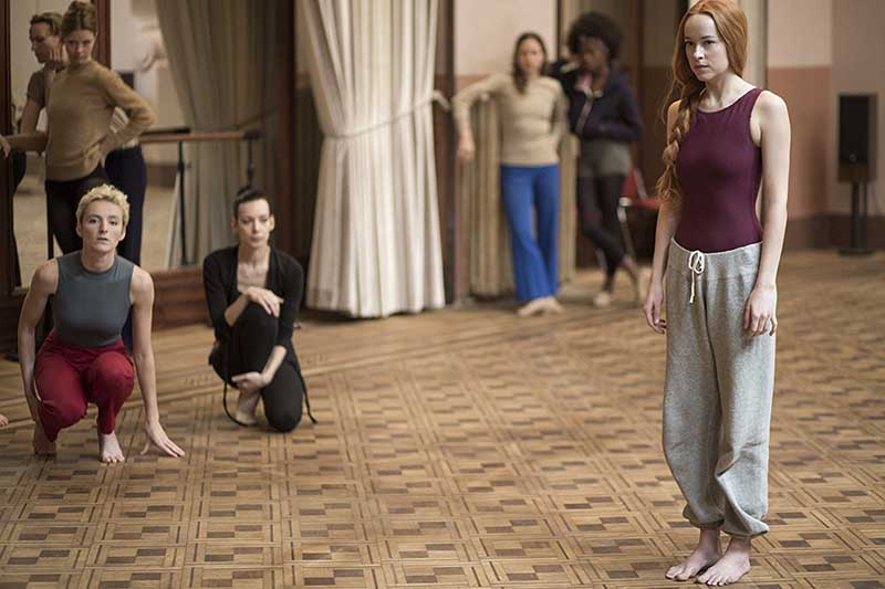 Majon Van der Schot, Anne-Lise Brevers, Dakota Johnson - Suspiria (2018)