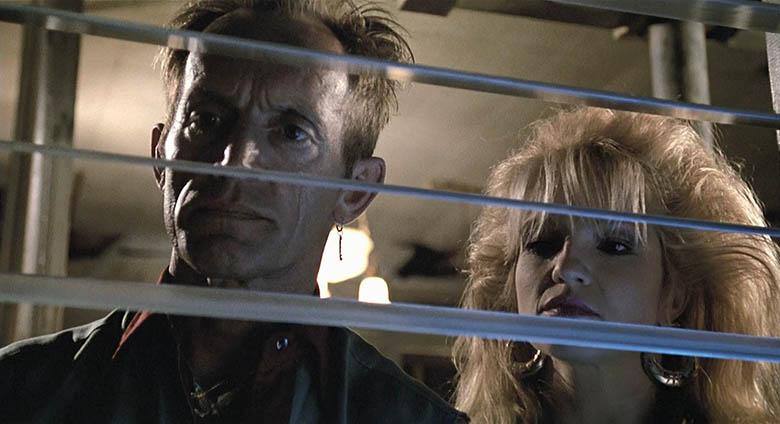 Lance Henriksen, Ellen Barkin - Johnny Handsome (1989)