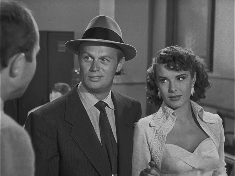Pickup on South Street (1953) - Richard Widmark, Jean Peters