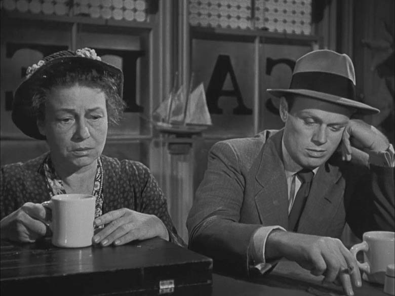Pickup on South Street (1953) - Thelma Ritter, Richard Widmark
