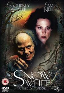 Snow White A Tale of Terror (1997) Poster